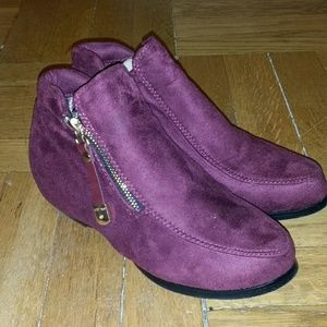 Shoes - Women's ankle boots.